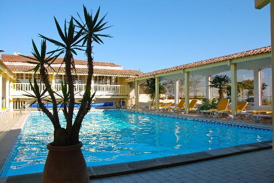 Hotel Les Cleunes Oleron: piscine