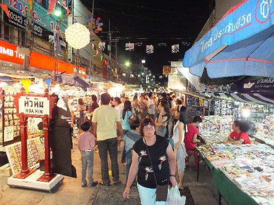 Regent Chalet Regent Beach Cha-Am: Hua Hin Night Market..!