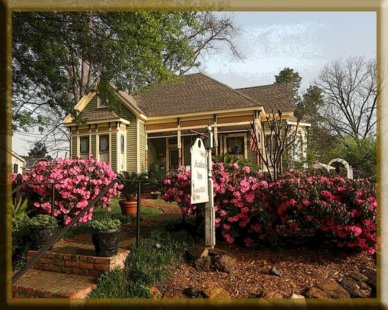 Photo of Azalea Inn Bed and Breakfast Jefferson