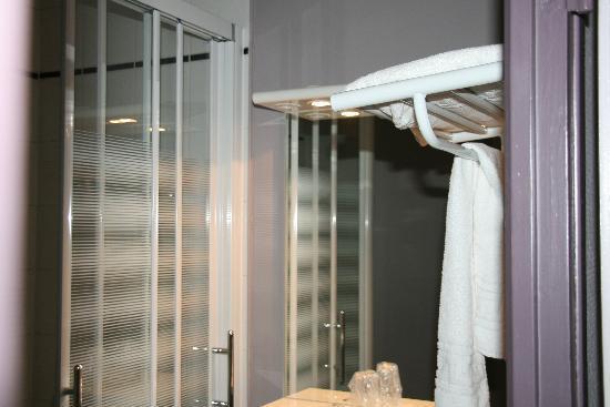 Hotel de l'Europe : cabine douche