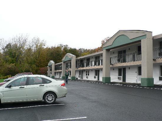Days Inn - Lenox MA: Hotel