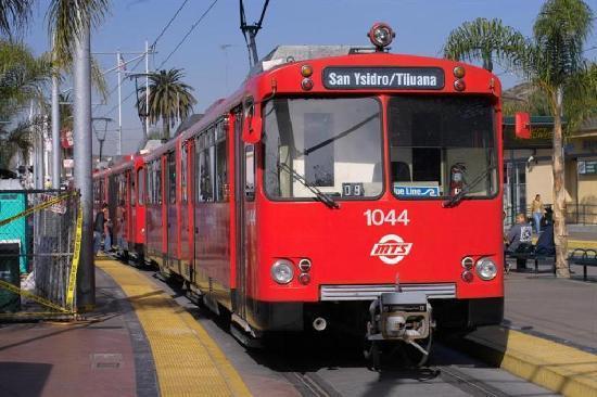 Avenida Revolucion: tramway