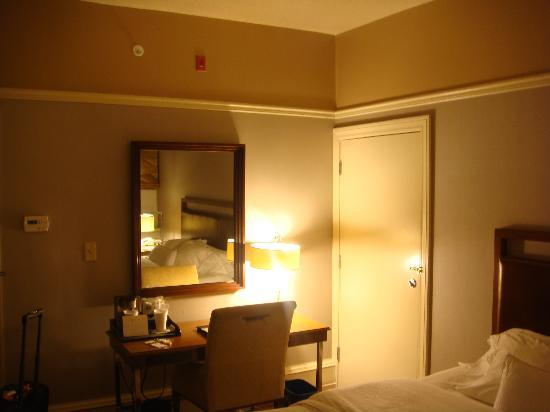 The Westin Great Southern Columbus: Desk