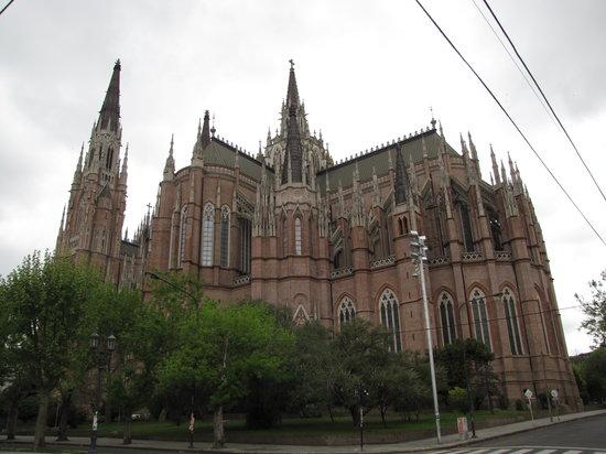 La Plata, Argentina: Catedral lateral