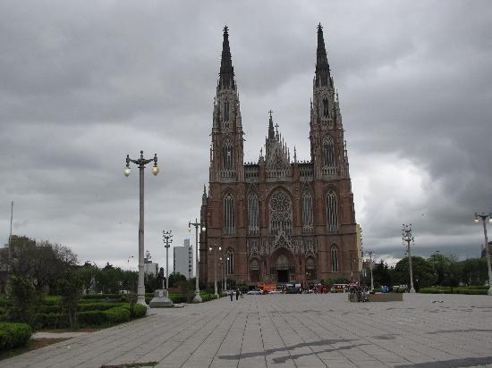 Catedral de la Plata: Catedral frente