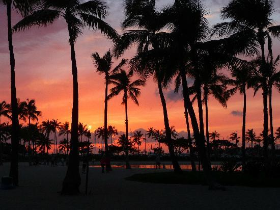 Honolulu, HI: Sunset at the beach