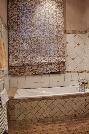 Demeure Saint Louis : The bath
