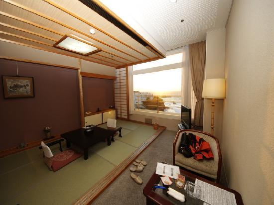 SHIRAHAMA KEY TERRACE HOTEL SEAMORE: Seaview room