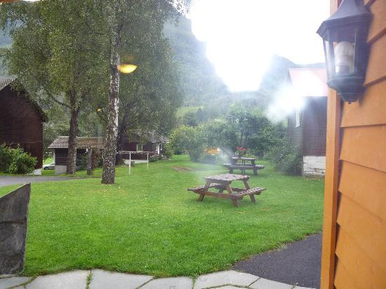 Flam Camping and Youth Hostel : l'esterno