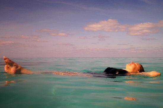 Bermuda: Sue relaxing at inshore site