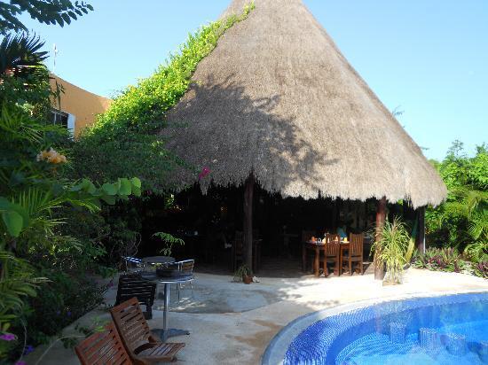 Don Diego de la Selva: ristorante visto dalla piscina