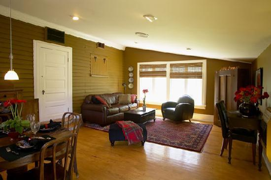 Big Mill Bed and Breakfast: Pack House Suite