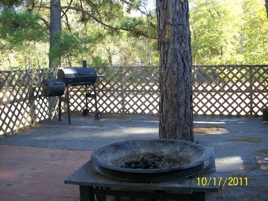 Diamond John's Riverside Retreat: Deck of cabin