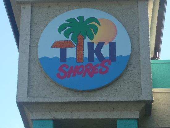 Tiki Shores Inn and Suites: great colors!