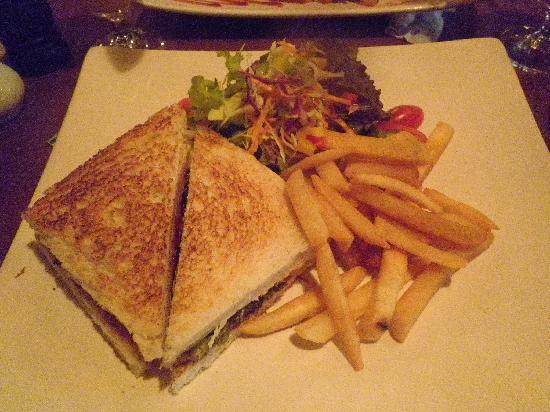 Horn Grill Steakhouse : Ham & cheese sandwich