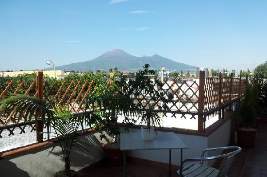 Vesevus B&B: Il panorama dalla terrazza delle camere
