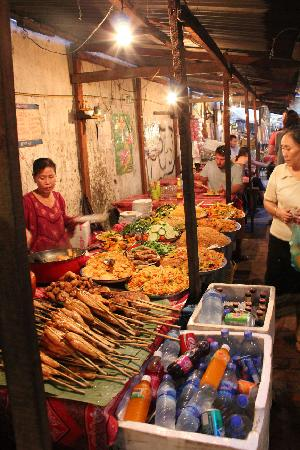 Luang Prabang Night Market: Luang Prabang Night Food Market
