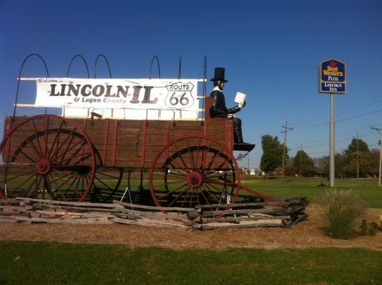 Best Western Lincoln Inn: world largest wagon