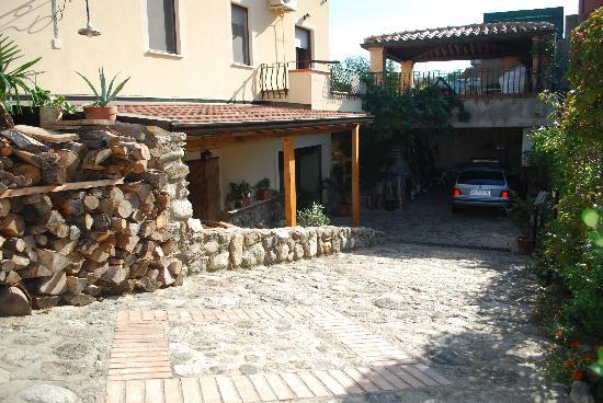 Montepaone, Italie : lato villa