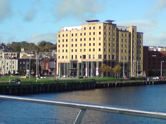 City hotel viewed from the Peace Bridge