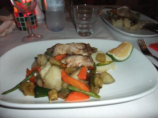 Vaima Polynesian Bar and Restaurant: pesce con verdure miste saltate