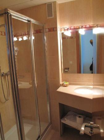 Hotel Goartin: Bathroom