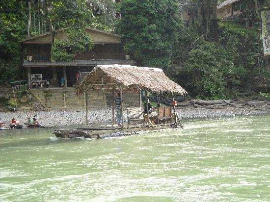 "Mega Inn - Tangkahan : ""Canoe"" to cross the river stops at 6pm"