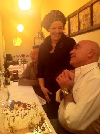 Campanarò...piccolo ristorante in città: Susanna con un cliente felice!!