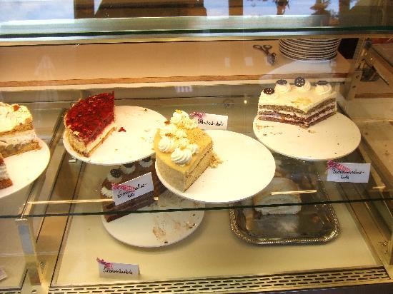 Backerei Cafe Zum Heidjer: Sweet selection