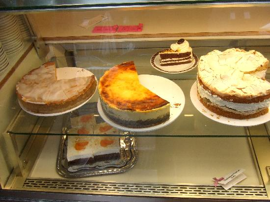 Backerei Cafe Zum Heidjer: More cake/torte!!