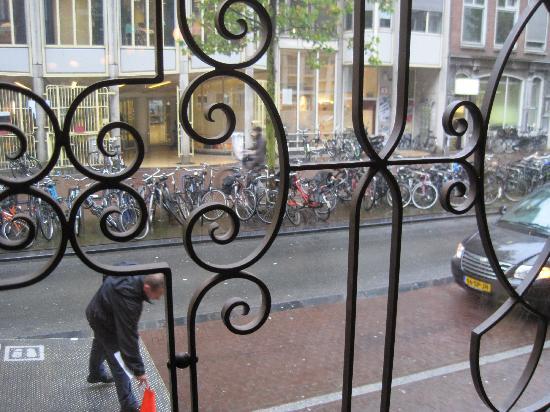 Die Port van Cleve: yes, the city of bikes.