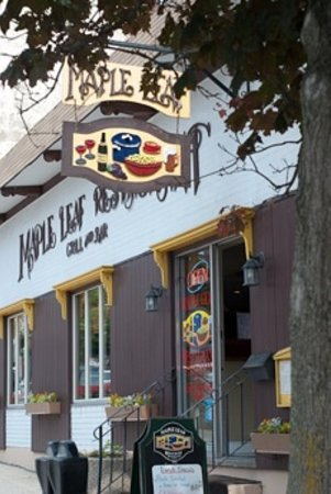 Maple Leaf Restaurant-Bar Czech Snitzel House : Maple Leaf Restaurant/Czech Snitzel House