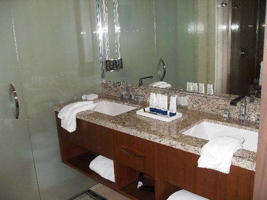 Genial ARIA Resort U0026 Casino: Dual Sinks