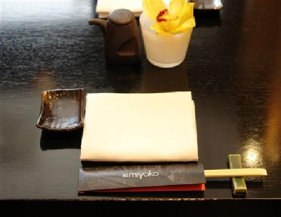 Miyako @ Andaz : Table