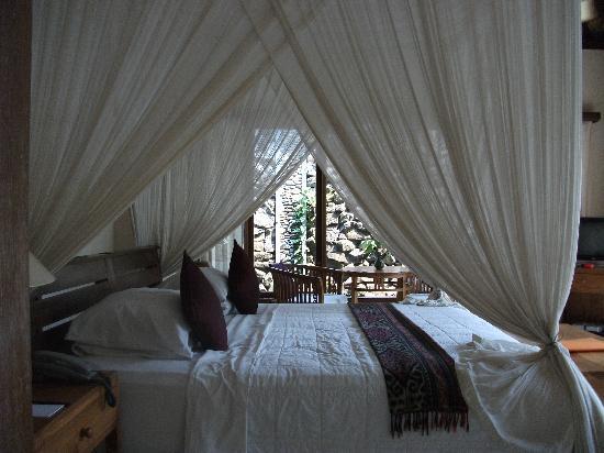 Nefatari Exclusive Villas: Fabulous king-size bed