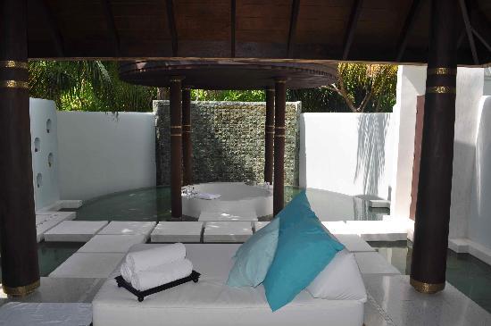 Anantara Kihavah Maldives Villas: el baño