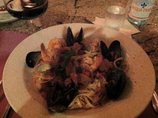 Cafe Amici: Frutti de mare -  Very good!