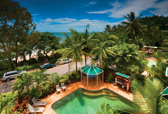 On the Beach Holiday Apartments: Beautiful beachfront swimming pools - 7 pools in total