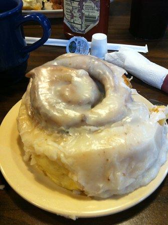 Seminole WInd: The cinnamon roll filled the entire 6 inch plate