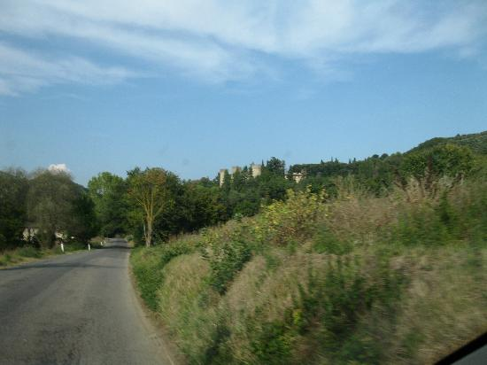 Castello dell'Oscano: approaching the castle