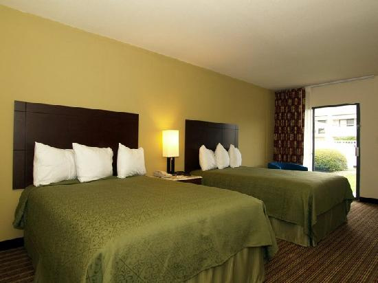 Quality Inn & Suites: Our Double Bedrooms