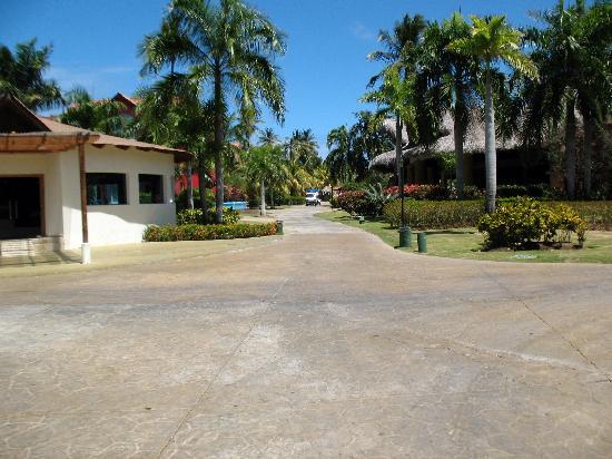 Tropical Princess Beach Resort & Spa: 1600 1200