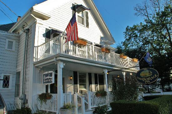 Harborage Inn on the Oceanfront: Street view