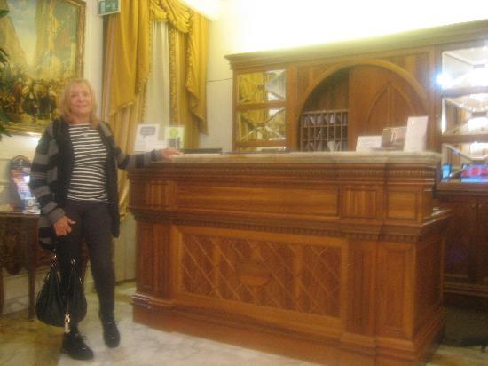 Condotti Palace: Lobby