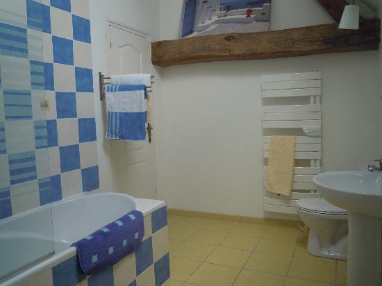 Loire Valley Breaks : Ete bathroom