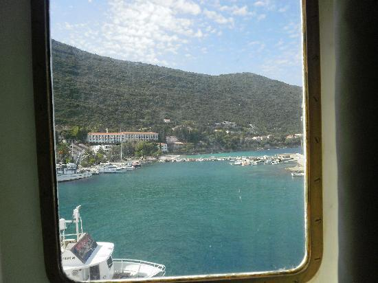 Maestral Villa : view from the ferry of the trpanj bay, with the villa (pale green) in the view