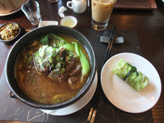 Sanxitang Tea Room : Fabulous beef & noodle soup.