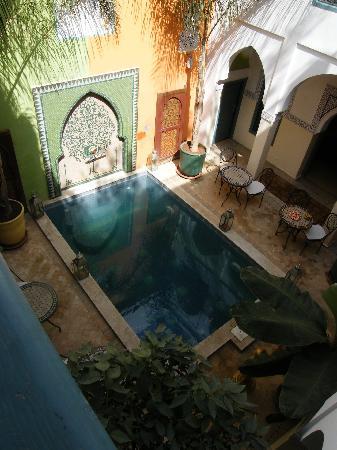 Riad Caesar: La piscine intérieure du riad