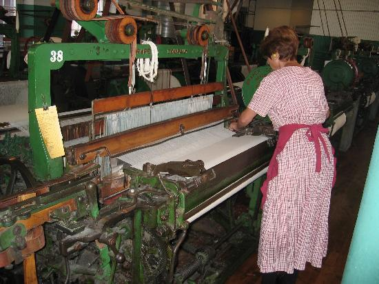 Boott Cotton Mills Museum : See and hear the old looms working.