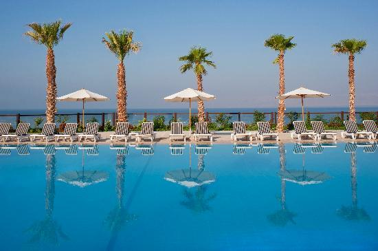 Holiday Inn Resort Dead Sea: Enjoy Swimming all Year Round with our Heated Infinity Pool
